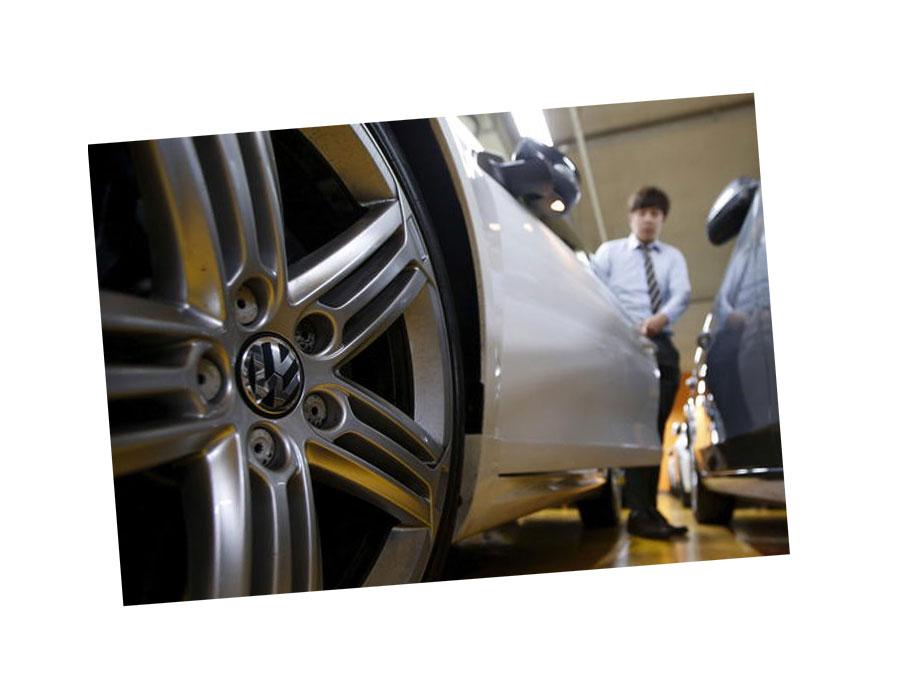 """بسبب خلل بالوسائد الهوائية.. """"فولكس"""" تستدعي  29 ألف سيارة في كوريا الجنوبية"""
