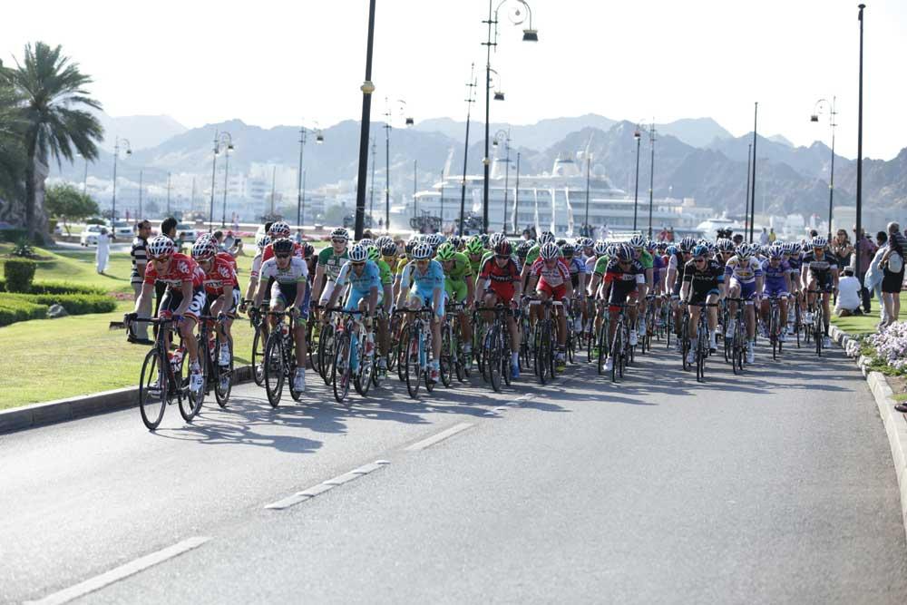 راكبو دراجات يروجون لوسيلة انتقال بلا عوادم في العاصمة الأردنية
