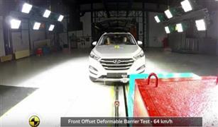 شاهد بالفيديو.. ماذا جرى للسيارة هيونداي توسان 2016 عقب اختبار تصادم قوي