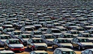 شائعات تعويم الجنية خلال ساعات تمنع تجار السيارات من البيع