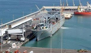 وصول 334 راكب لميناء سفاجا و تداول 185 شاحنة مواني السويس