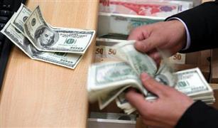 البنك المركزى يرفع سعر الدولار الجمركى 17 قرشًا على السيارات المفرج عنها اليوم