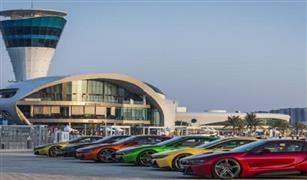 على طريقة الملابس السينيه.. خدمة جديدة لإضافة مميزات شخصية لسيارات BMW I8 في الإمارات