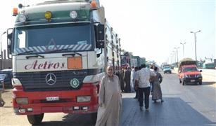 وزير الداخلية يصدر قرارا بمنع سير سيارات النقل على طريق السويس والإسماعيلية وقت الذروة