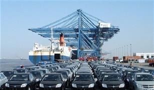824 راكب يغادرون ميناء سفاجا و تداول 235 شاحنة