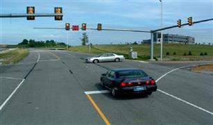سيارتك  الجديدة تخبرك بموعد تغير لون إشارة المرور
