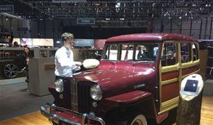بالصور.. سيارات قديمة أدخلت عليها خطوط الحداثة تبهر الحضور في معرض جنيف