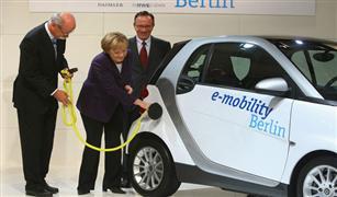 ألمانيا تبحث الوصول بعدد السيارات الكهربائية في شوارعها إلى مليون مركبة