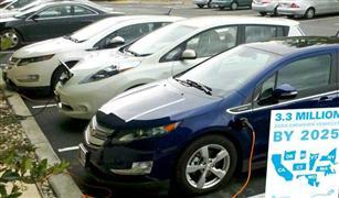"""عقدة """"البيضة أم الدجاجة""""  تسيطر على صناعة السيارات الكهربائية"""