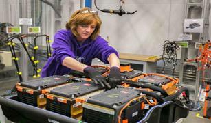 فولكس فاجن تدرس إقامة مصنع لإنتاج بطاريات سياراتها