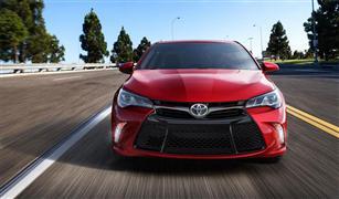 """تويوتا كامري وهايلكس تحصدان لقبا """"أفضل سيارة سيدان وشاحنة متوسطة"""
