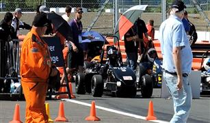 """فريق جامعة القاهرة يفوز بالمركز الأول لتصنيع سيارة سباق في مسابقة """"فوميولا العالمية"""""""