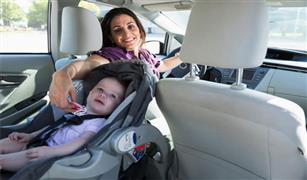 6 وسائل للسيطرة على أطفالك في السيارة أثناء السفر