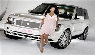 بالصور و الفيديو.. هل تثير كيم كارديشان الجدل بسياراتها كما أثارته بصورها المثيرة؟