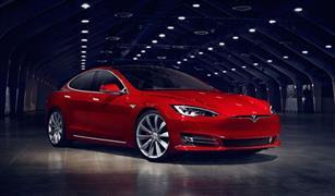"""تيسلا الأمريكية تطرح جيل جديد من سيارتها الكهربائية """"موديل إس"""""""