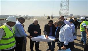 """وزير النقل يتفقد """"الدائري الإقليمي"""" في المسافة بين بنها و""""الإسكندرية الصحراوي"""""""