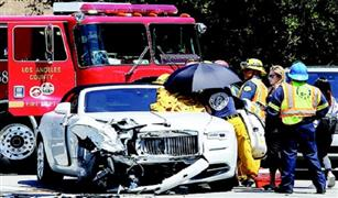 اشترتها منذ أسبوع فقط.. والدة كيم كارديشان تتعرض لحادث بسيارتها الـ«رولز رويس»