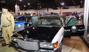 دورية شرطة «كلاسيكية» بمتحف الشارقة للسيارات
