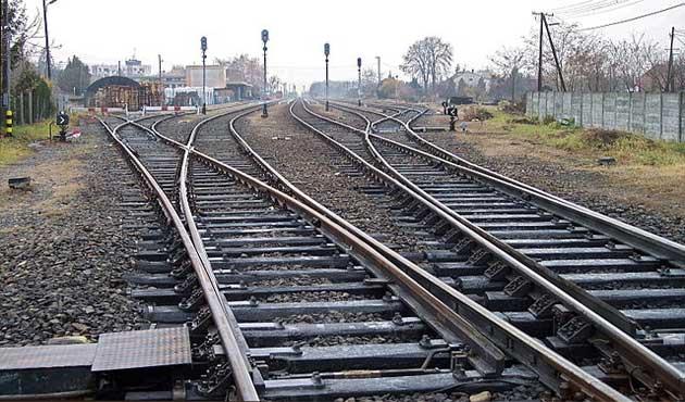 وزير النقل أمام  النواب : نسعي لتطوير إشارات ومزلقانات السكك الحديدية بالتعاون مع  سيمنز  الألمانية - الأهرام اوتو