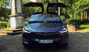 بسبب مشاكل بالمقاعد الخلفية .. تسلا تستدعي 11 ألف سيارة من نوع Model X