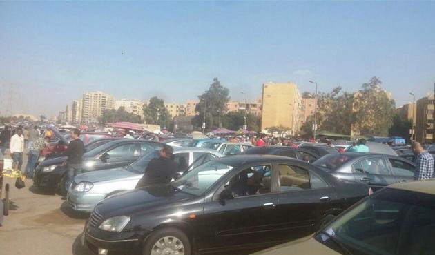 حملة  الأوفربرايس  تخفض أسعار السيارات في سوق الجمعة.. لانسر بـ130 ألف وأوبترا بـ120 - الأهرام اوتو