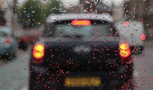 حتى لا تكرر أخطاء الشتاء الماضي.. نصائح ذهبية قبل القيادة في الأمطار