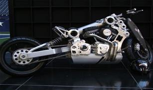 محركها يشبه تروس الساعة.. تعرف بالصور على أغلى دراجة نارية في العالم