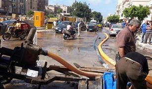 زحام مرورى بسبب كسر ماسورة مياه بالقرب من كوبرى المطار