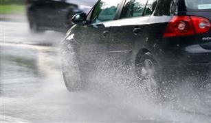 «مرور القاهرة» يحذر سائقي المركبات من القيادة خلال الأمطار