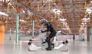 بالفيديو.. شاهد أول دراجة نارية طائرة في العالم