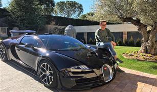 كريستيانو رونالدو ينشر صورة مع سيارته الجديدة بوجاتي فيرون الأغلى في العالم