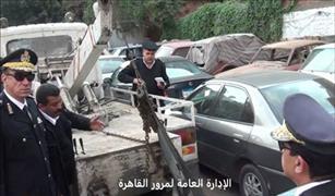مرور القاهرة يشن حملات لرصد المخالفات وتسيير حركة السيارات
