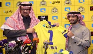 مؤسسة الغسان للسيارات توقع عقد رعاية مع نادي النصر بوضع شعارانفينتى على قمصان اللاعبين