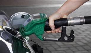 ضبط مسئولين بمحطات بترول بتهمة تهريب 3.5 مليون لتر بنزين وسوﻻر للسوق السوداء