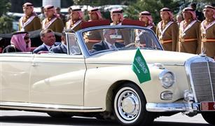 بالصور والفيديو :استقبال سلمان في الاردن بنحر الابل  وسيارات همر و  مرسيدس  كلاسيكية المكشوفة