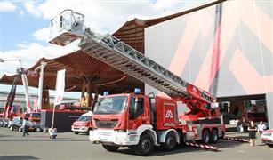 للسيطرة على حرائق الأبراج الشاهقة.. الإمارات تستعين بسيارات إطفاء بسلم 55 مترًا