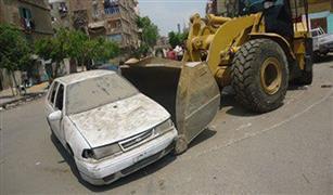 رفع 100 سيارة مهملة ومتروكة في شوارع القاهرة