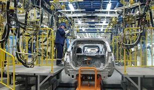رئيس لجنة الصناعة بالبرلمان: هذه خطواتنا لإقرار أول إستراتيجية لصناعة سيارة مصرية
