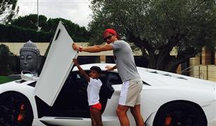 بالفيديو: لن تصدقوا  عدد سيارات كريستيانو رونالدو الموجودة في منزله