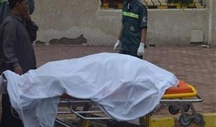 سيارة تقتل مواطنًا بمنزل كوبري المطار