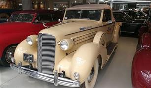 بالصور.. 200 سيارات كلاسيكية تعيد أيام الستينات في السعودية
