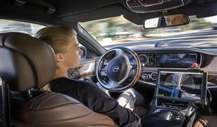 قادرة على تخطي المواقف الحرجة.. مرسيدس تختبر سيارة ذاتية القيادة من طراز S