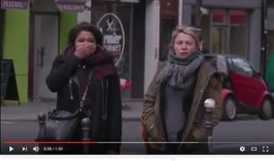 شاهد بالفيديو.. طريقة فرنسية رائعة لمنع المشاة من عبور الطريق والإشارة حمراء