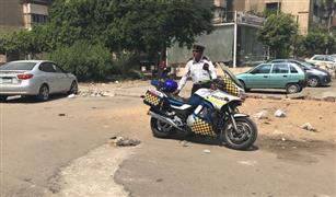 بالصور.. مطاردة مثيرة بين شرطة المرور ولصوص في مدينة نصر
