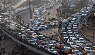 موقف للتاكسي يقضي على دورانه بلا ركاب.. 5 حلول لأزمة المرور في مصر