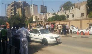 بالصور. كثافات مرورية مرتفعة بسبب كسر ماسورة مياه رئيسية بشارع شبرا