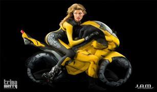 بالصور. دراجة نارية مصنوع من الاجساد البشرية فقط