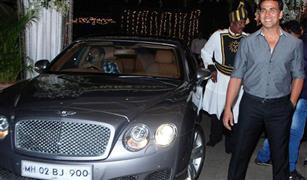 """بالصور.. تعرف على سيارات النجم  الهندي """"أكشاي موكار"""""""