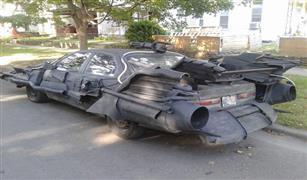 شاهد.. تعديلات تحول «تويوتا كامري» إلى سيارة «باتمان» العجيبة