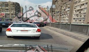 بالصور إحذر الان زحام شديد علي كوبري اكتوبر باتجاه الدقي بسبب حادث سيارة